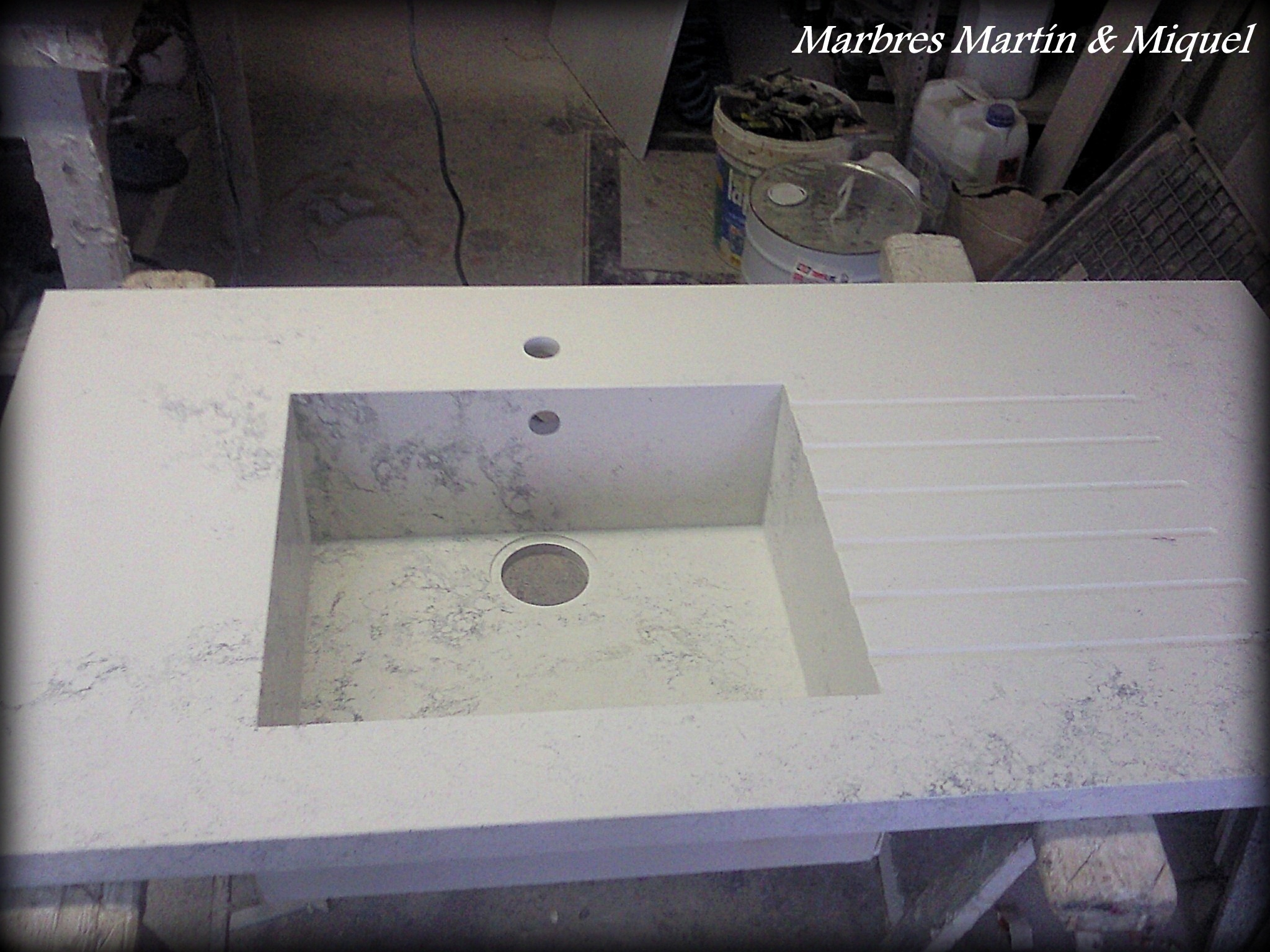 Marbres mart n miquel fregaderos integrados en m rmol for Piedra marmol para cocina