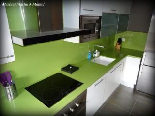 Cocina mármol verde Silestone Marbres Martin & Miquel