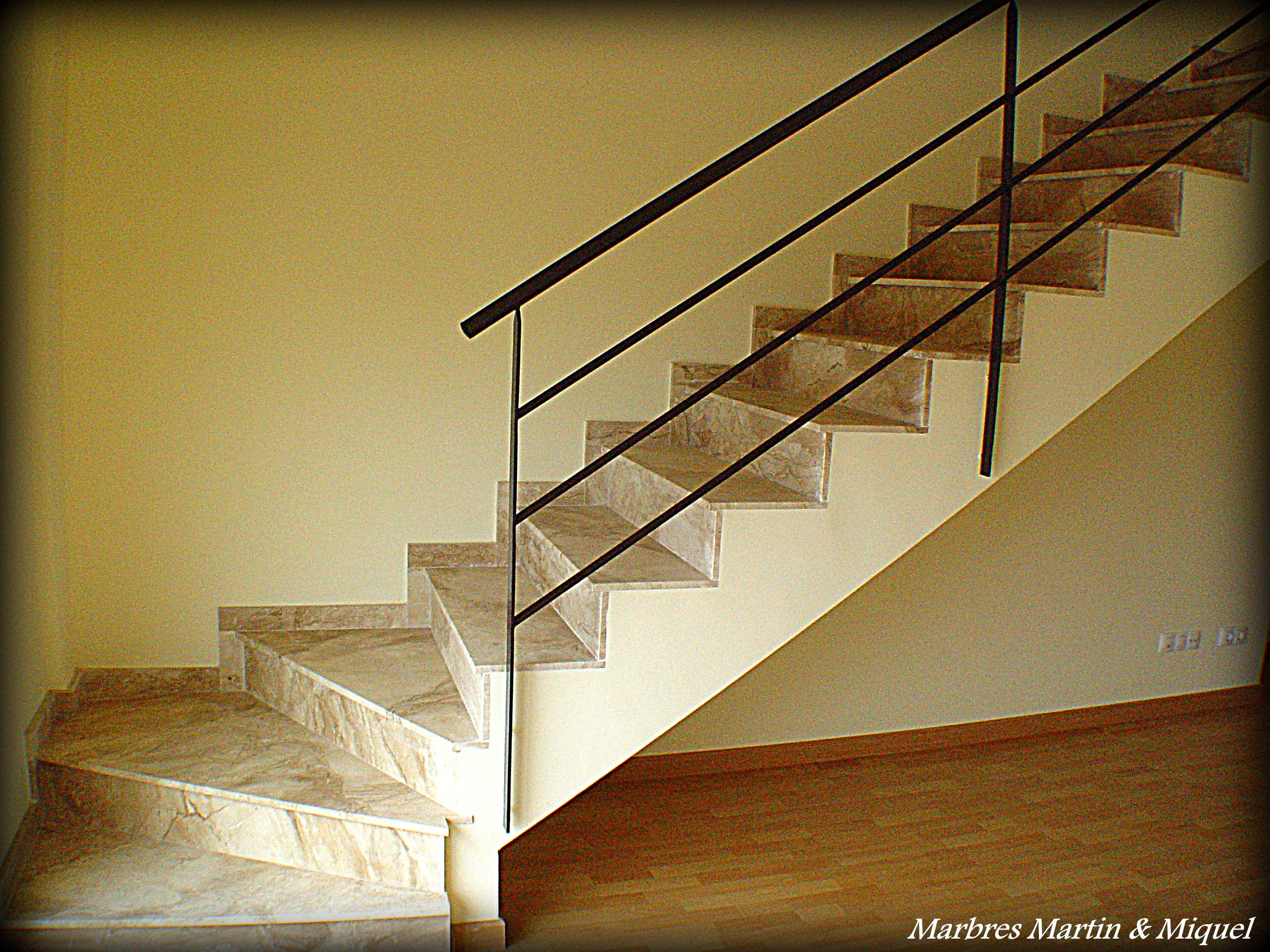 Marbres mart n miquel escaleras de m rmol for Escaleras tres tramos